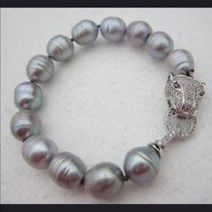 Jewelry - 🔥PEARL  BRACELET 🔥